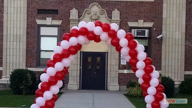 Outdoor Entrance Spiral Balloon Arch