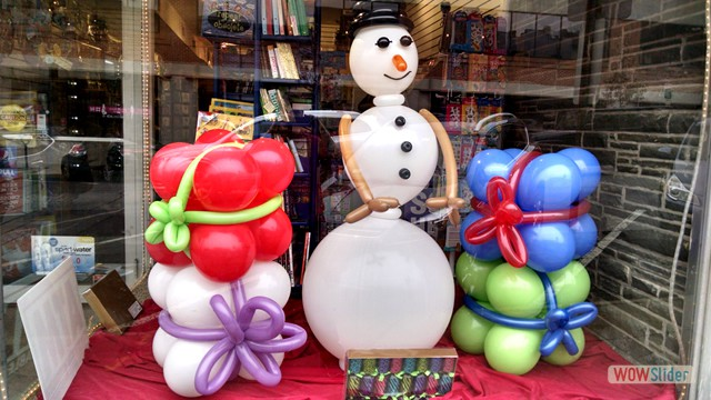 Window Display Balloon Decor